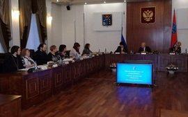 Магаданские священнослужители приняли участие в заседании Общественного Совета по делам женщин, семьи и детства при губернаторе Магаданской области