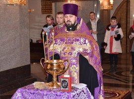 В Свято-Троицком кафедральном соборе совершаются молебны с акафистом перед иконой Божией Матери «Помощница в родах»