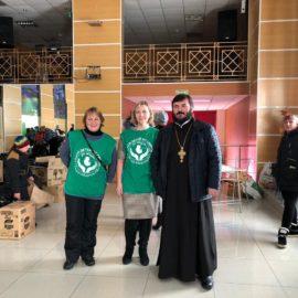 Сотрудники и волонтеры движения «Колыма — За Жизнь» провели благотворительное мероприятие в поселке Палатка